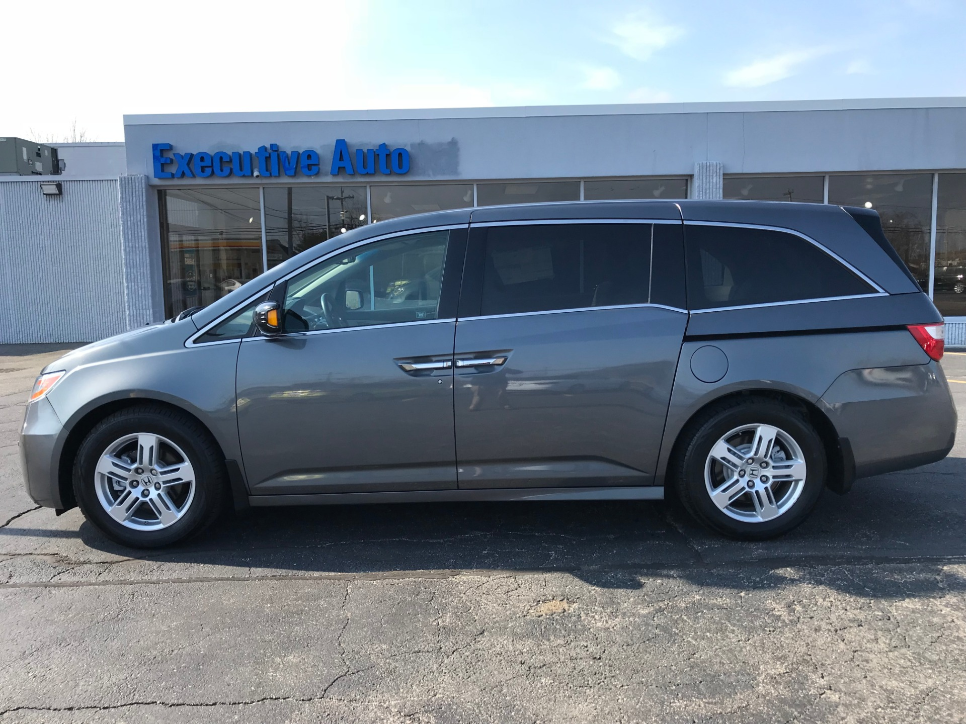 2012 honda odyssey touring touring stock 1552 for sale for Honda dealerships in ri