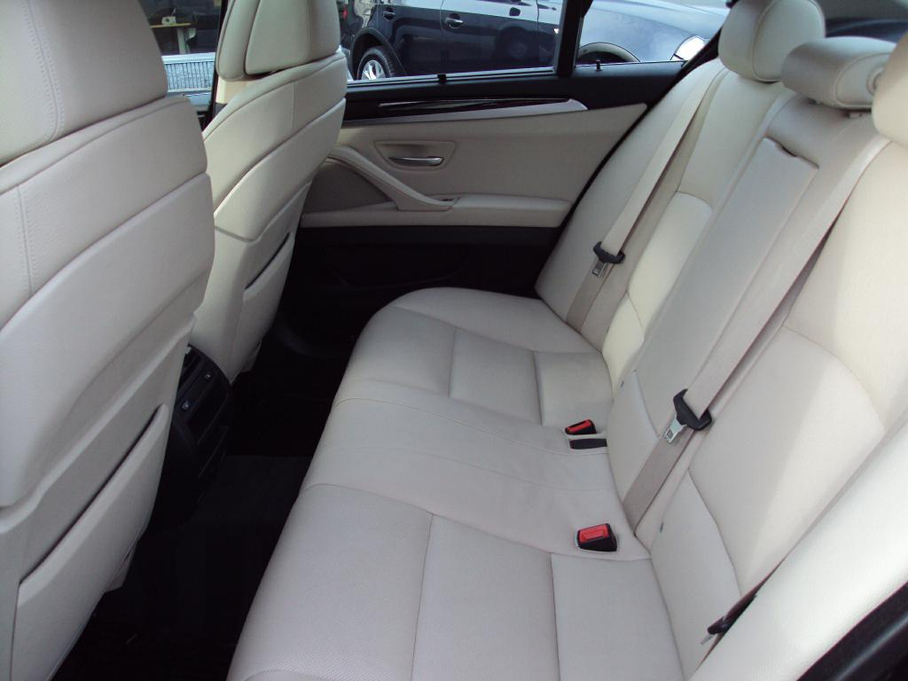 Used-2011-BMW-535-XI-XI-Service-shop-Libertyville