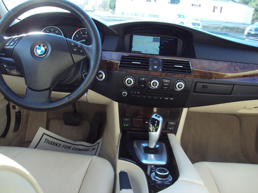 Used-2010-BMW-528-XI-XI-Service-shop-Libertyville