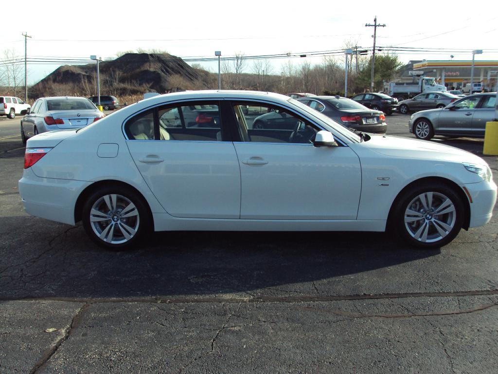 Used-2010-BMW-528-XI-XI-New-BMW-IL