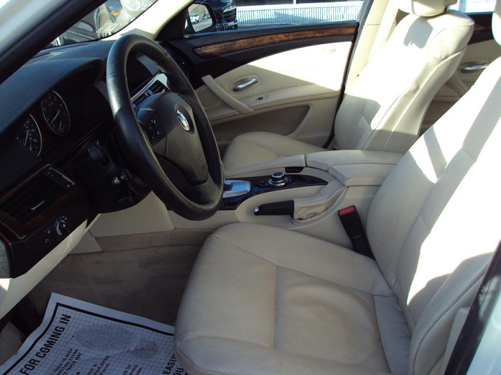 Used-2010-BMW-528-XI-XI-Exotic-Cars-IL