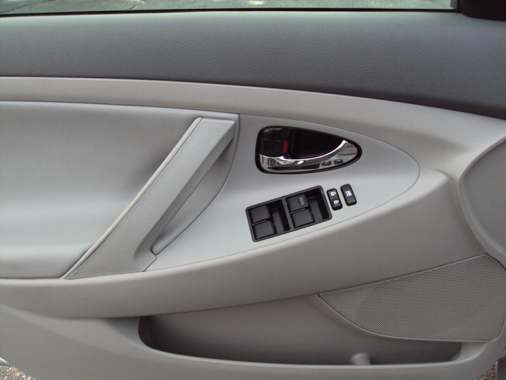 Used-2009-Toyota-CAMRY-HYBRID