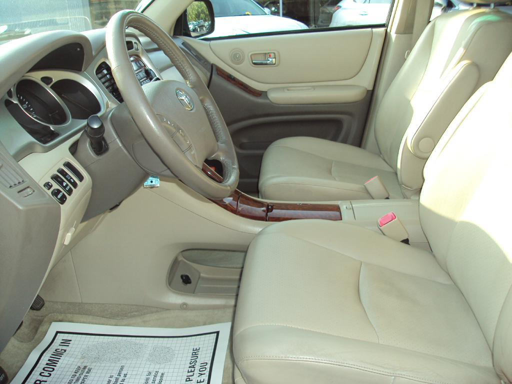 2007 toyota highlander sport stock 1463 for sale near smithfield ri ri toyota dealer. Black Bedroom Furniture Sets. Home Design Ideas