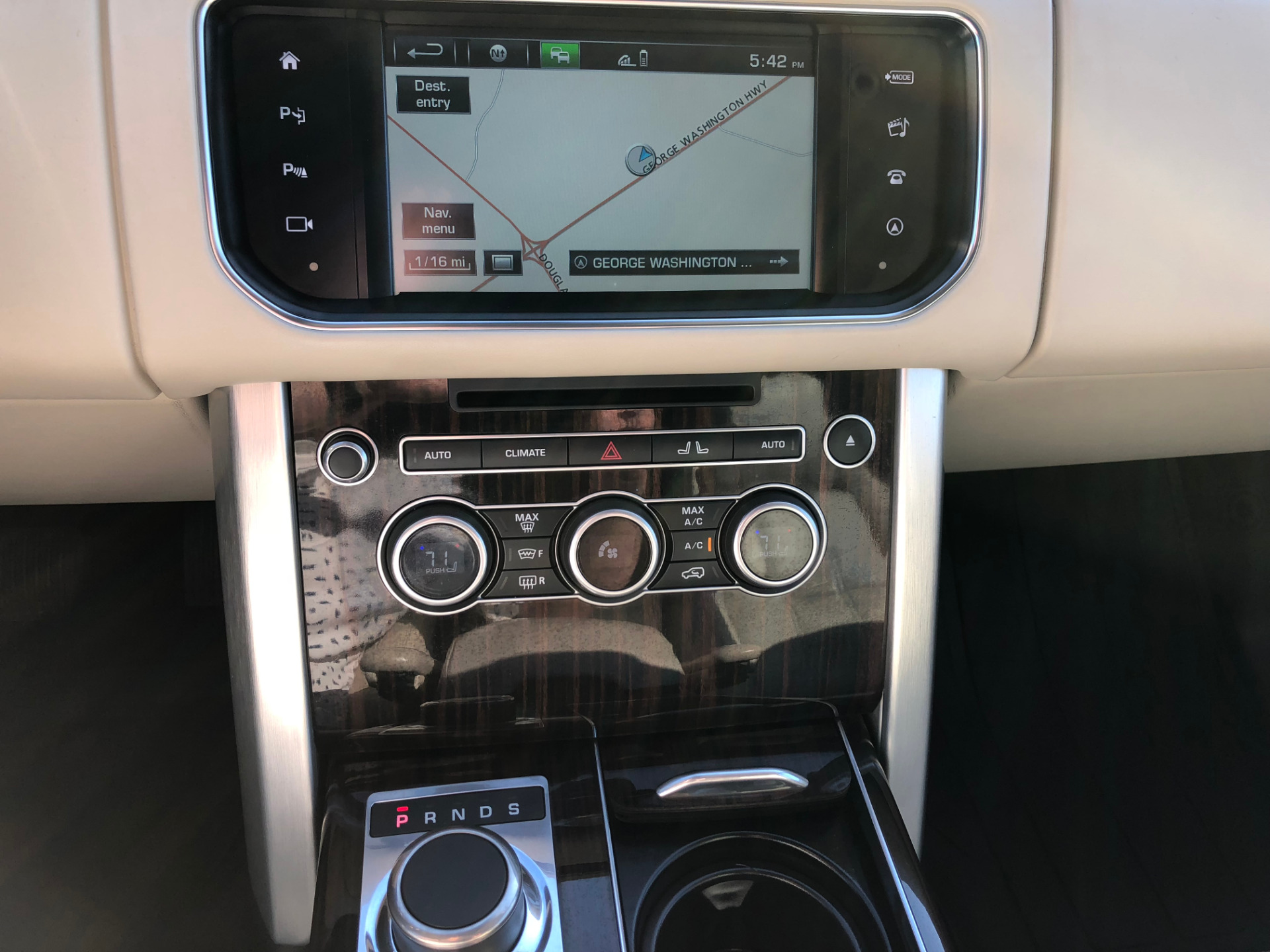 Used-2016-LAND-ROVER-RANGE-ROVER-HSE-HSE