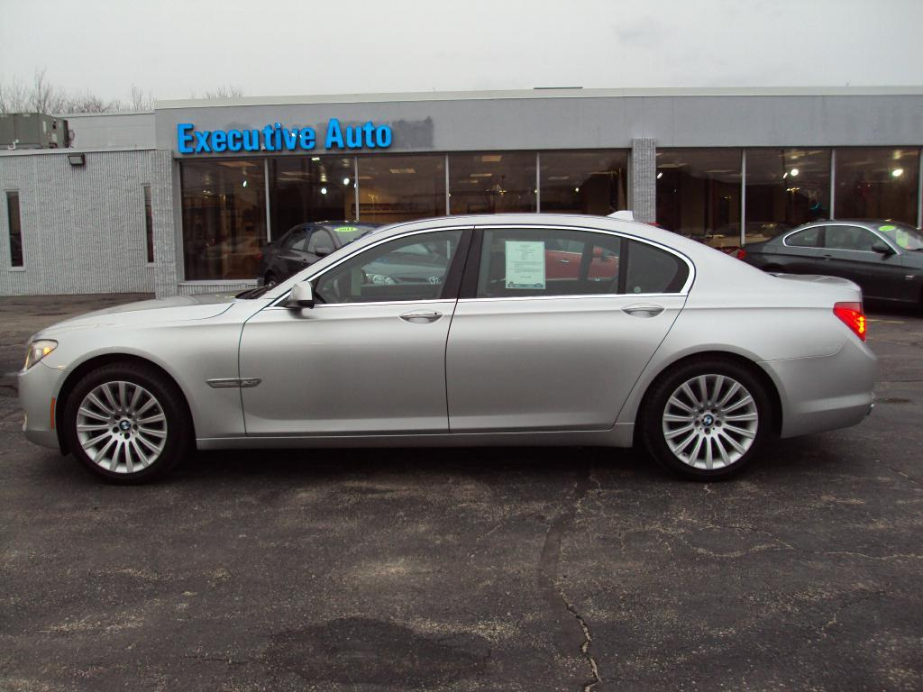 Used-2011-BMW-750-LI-X-DRIVE-sedan-New-use-car-dealer-IL