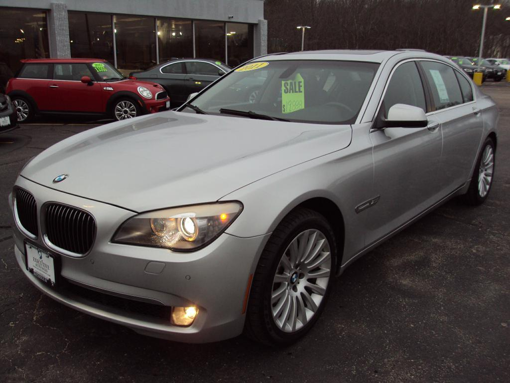 Used-2011-BMW-750-LI-X-DRIVE-sedan-New-cars-for-sale-Gurnee