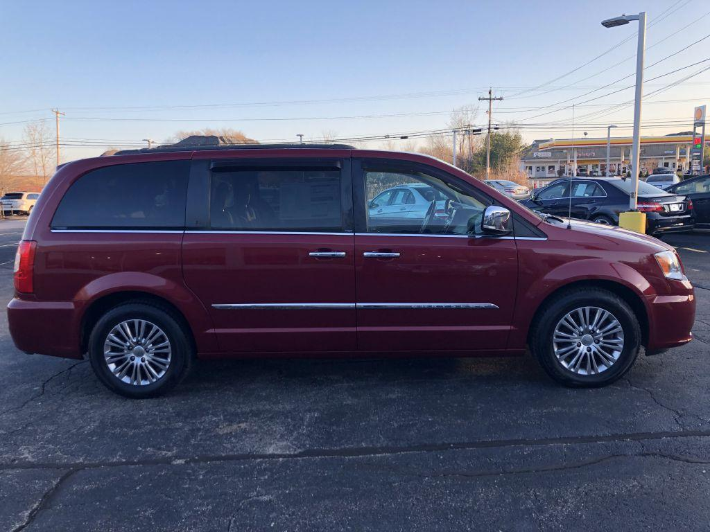 Used-2014-CHRYSLER-TOWN---COUNTRY-TOURING-L