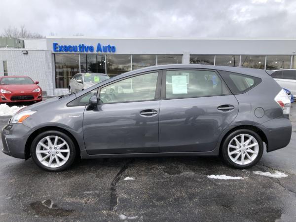 Used-2012-Toyota-PRIUS-V
