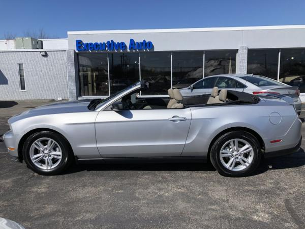 Used-2012-FORD-MUSTANG