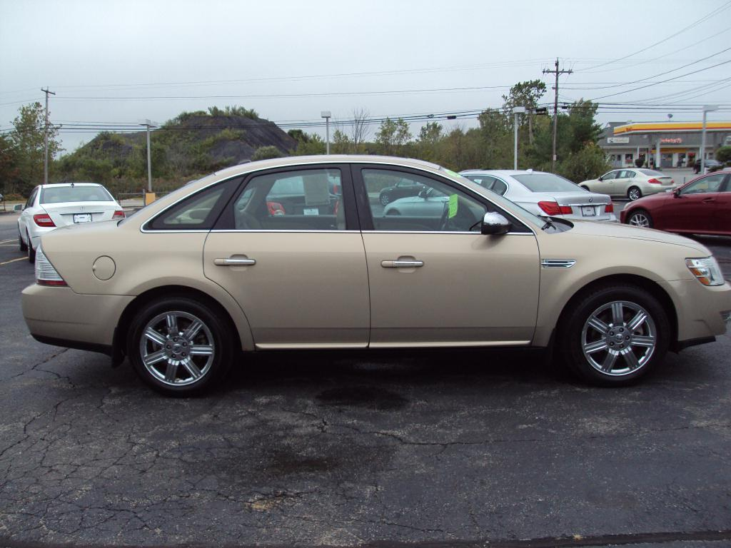 Used-2008-FORD-TAURUS-LTD-AWD-LIMITED-Used-cars-for-sale-Lake-County