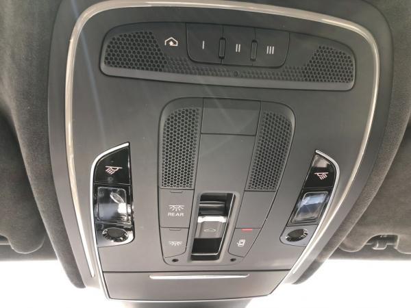 Used-2014-AUDI-S8-QUATTRO