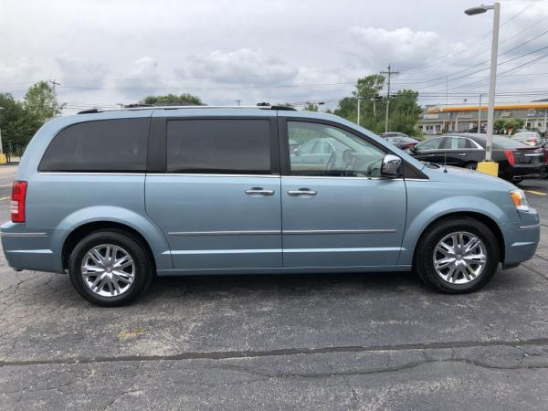 Used-2009-CHRYSLER-TOWN---COUNTRY-LIMITED