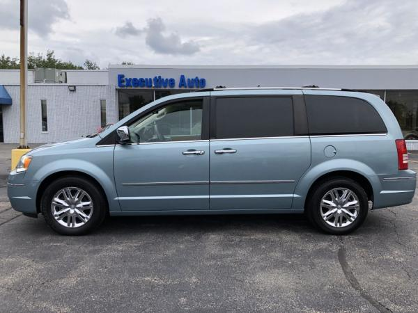 Used 2009 CHRYSLER TOWN COUNTRY LIMITED