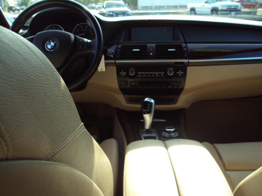Used-2011-BMW-X5-XDRIVE50I-XDRIVE50I-Service-shop-Libertyville
