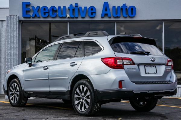 Used 2017 SUBARU OUTBACK 25 LTD 25I LIMITED