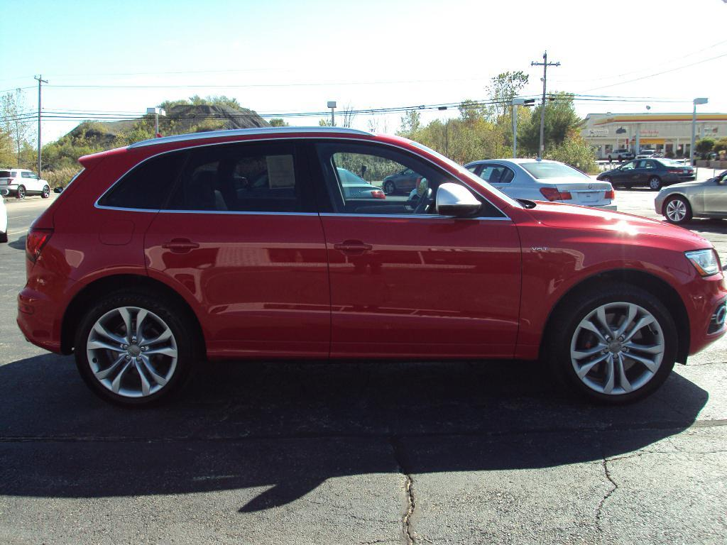 Used-2014-AUDI-SQ5-PREMIUM-PLUS-Luxury-Cars-Lake-County