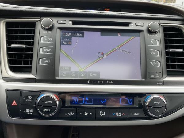 Used 2019 Toyota HIGHLANDER XLE SE