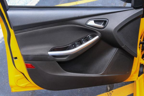 Used 2013 FORD FOCUS ST ST