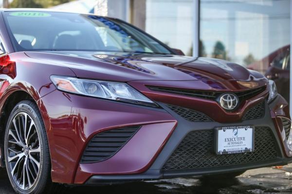 Used 2018 Toyota CAMRY SE SE