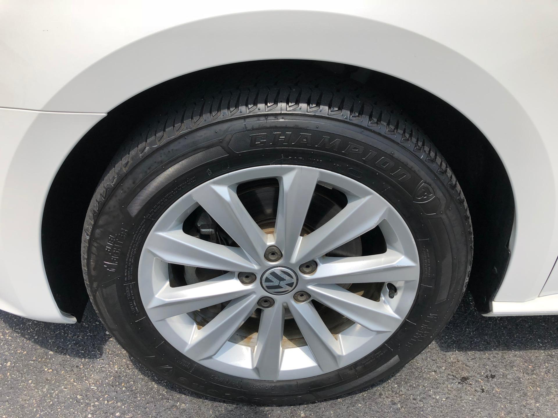 Used-2012-VOLKSWAGEN-PASSAT-SEL-SEL-Chevrolet-Dealer-Vernon-Hills