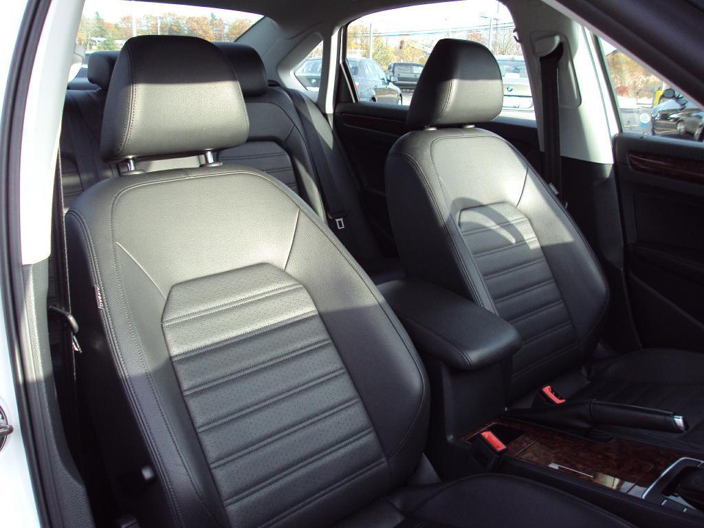 Used-2012-VOLKSWAGEN-PASSAT-SEL-SEL-New-Mercedes-Benz