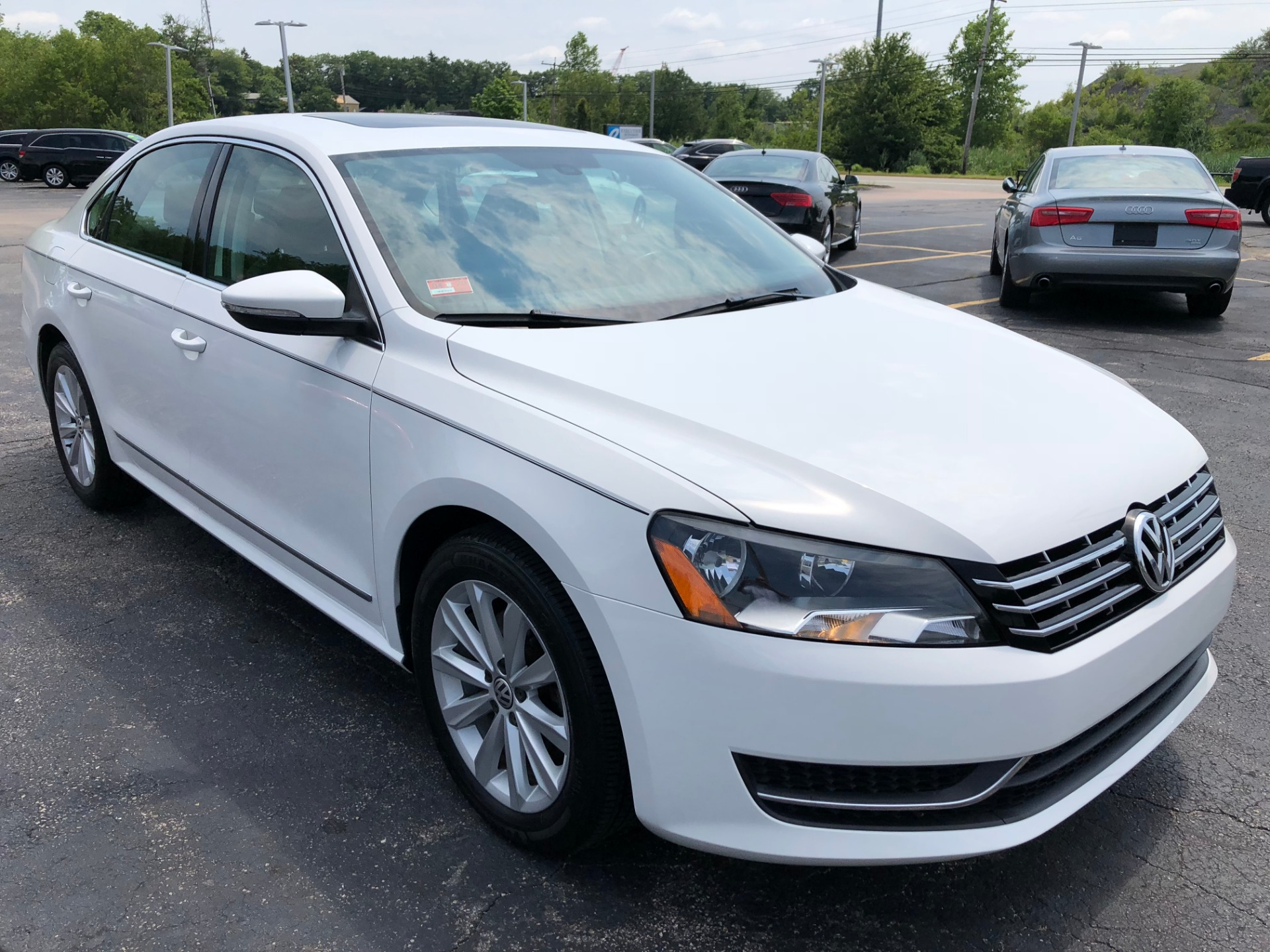 Used-2012-VOLKSWAGEN-PASSAT-SEL-SEL-for-sale-in-IL