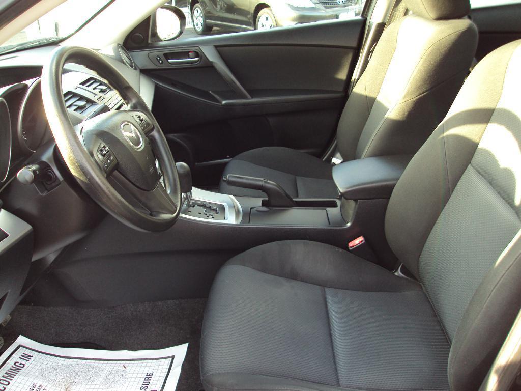 Used-2010-MAZDA-3-I-New-use-car-dealer-IL