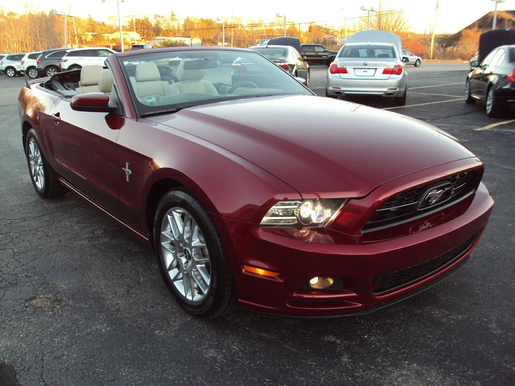 2014 ford mustang convertible stock 1541 for sale near smithfield ri ri ford dealer. Black Bedroom Furniture Sets. Home Design Ideas